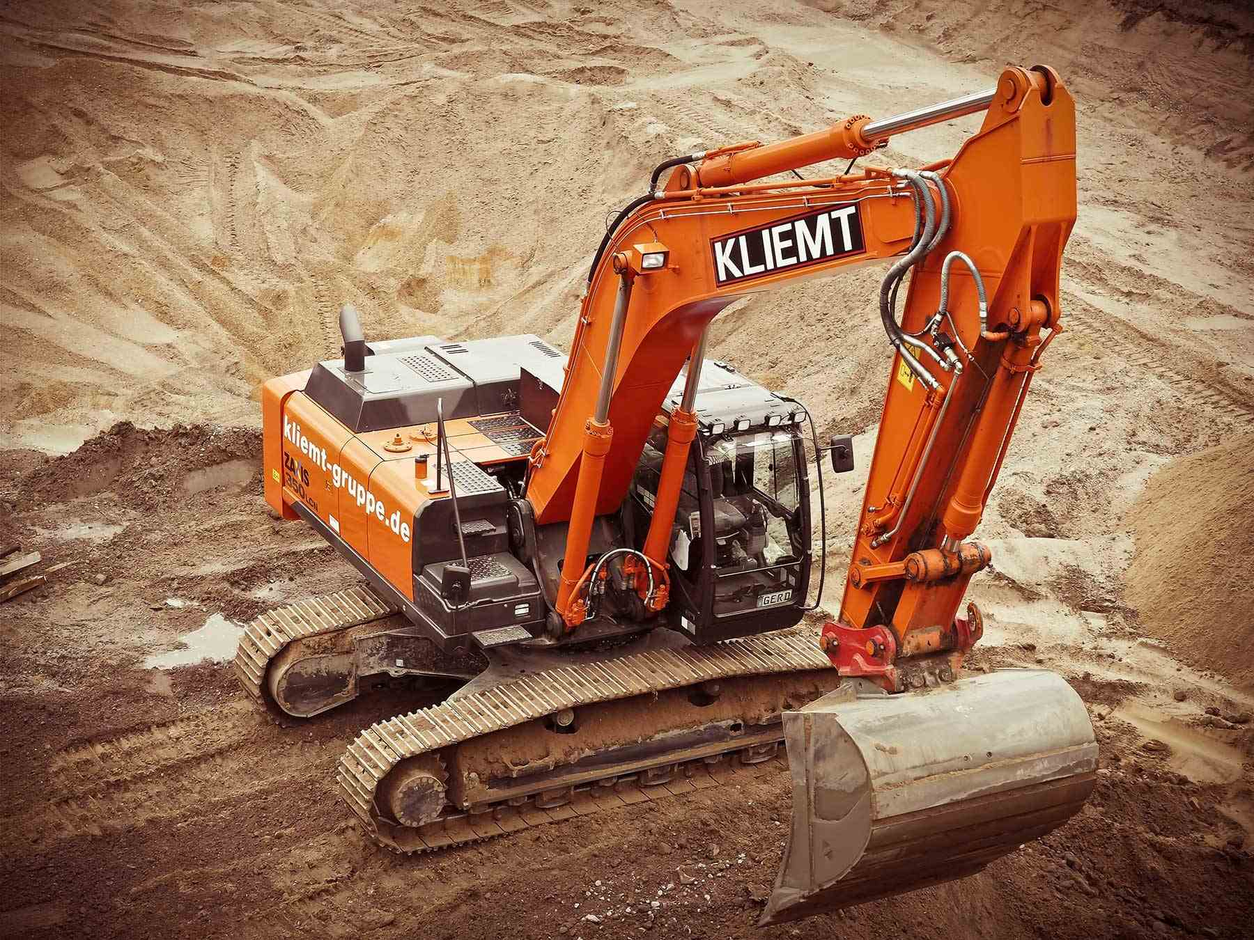 Kliemt digger on gravel
