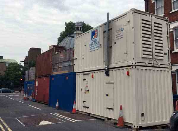 Containagen with hybrid generator on top